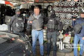 dozvolyav-pracyuvati-restoranam-pid-chas-karantinu-dbr-zatrimalo-posadovcya-policii-kieva-2